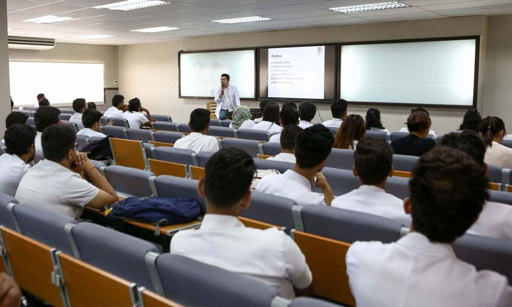 Students listing to lecture in UV Gullas College of Medicine